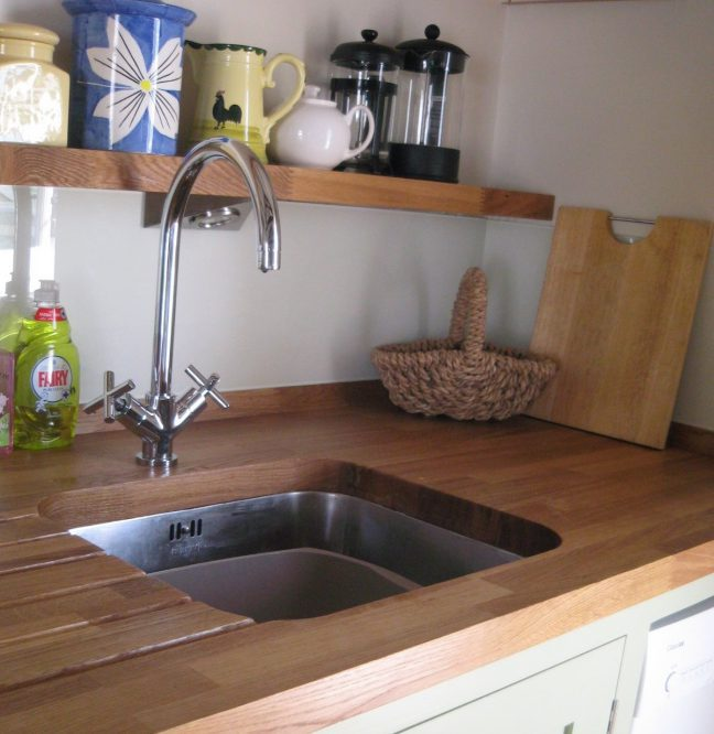 Prevent plumbing issues in kitchen sink - Ideas by Mr Right
