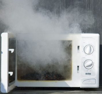 Safety measures to follow while using microwave