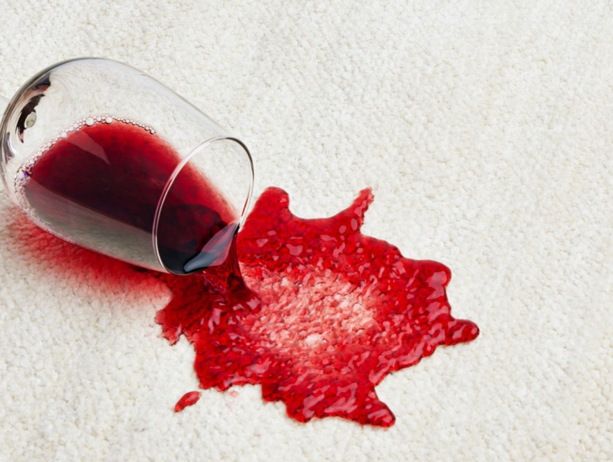Cleaning wine spill with salt 883x666