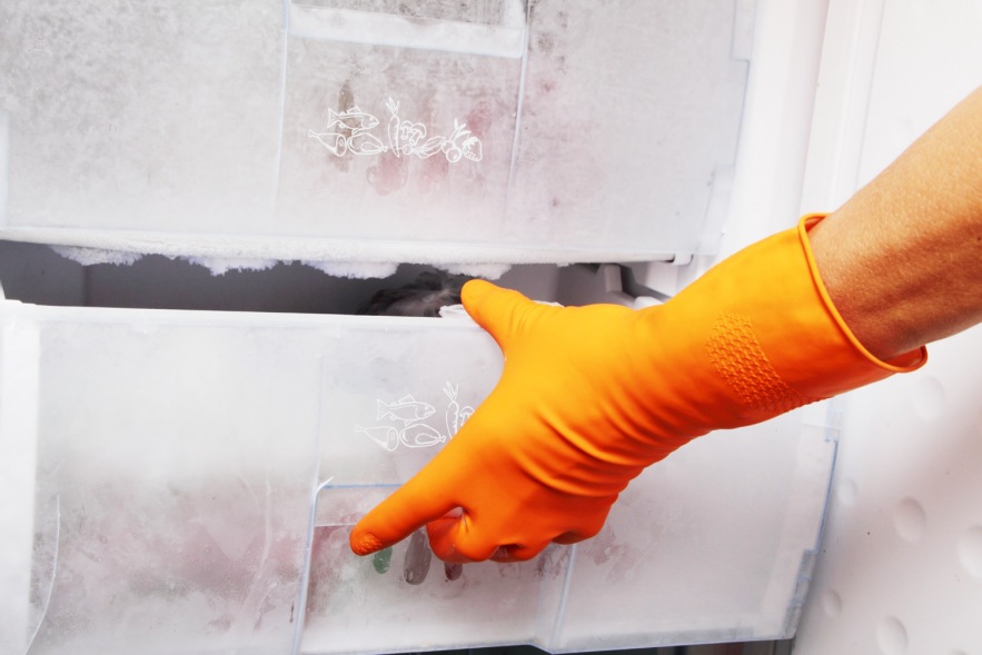 Defrost problem in refrigerator