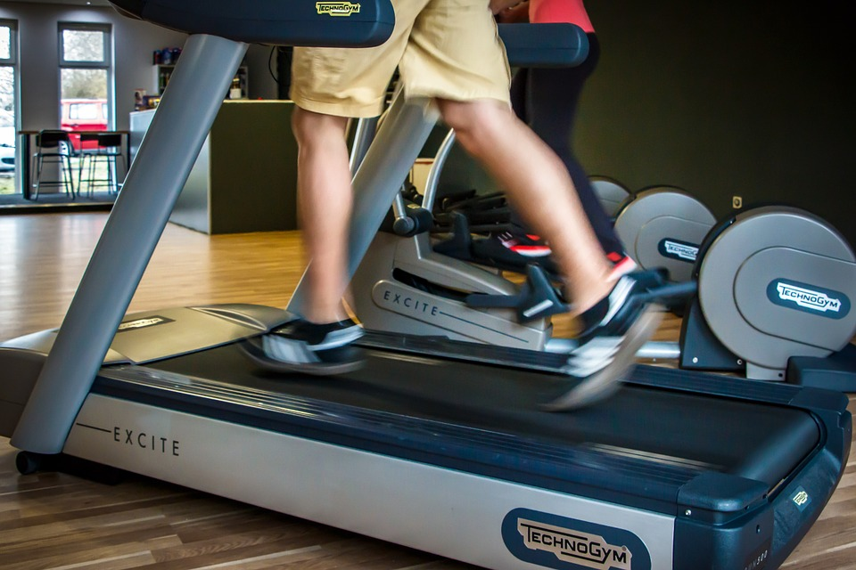 clean and lubricate the conveyer belt of the treadmill