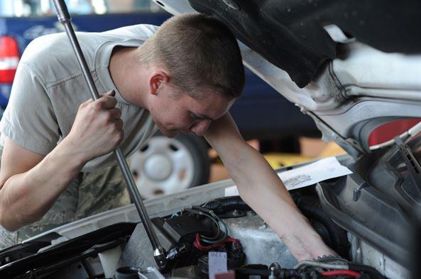 Hire a car mechanic