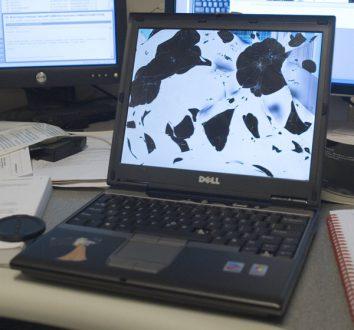 repair your damaged laptop screen