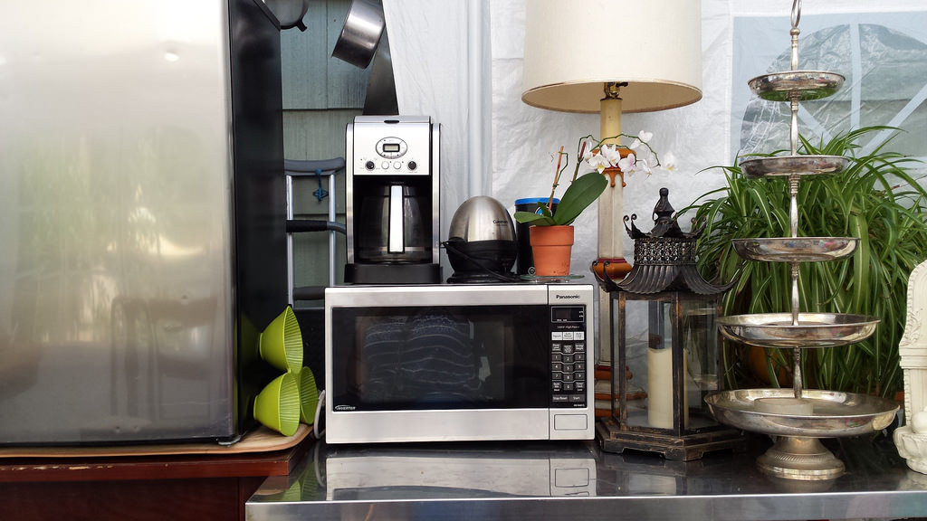 Avoid using microwave as a table