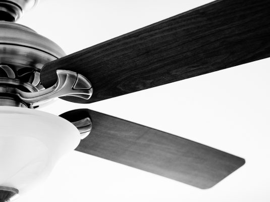 ceiling fan not spinning