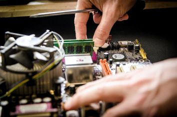 find computer repair service provider