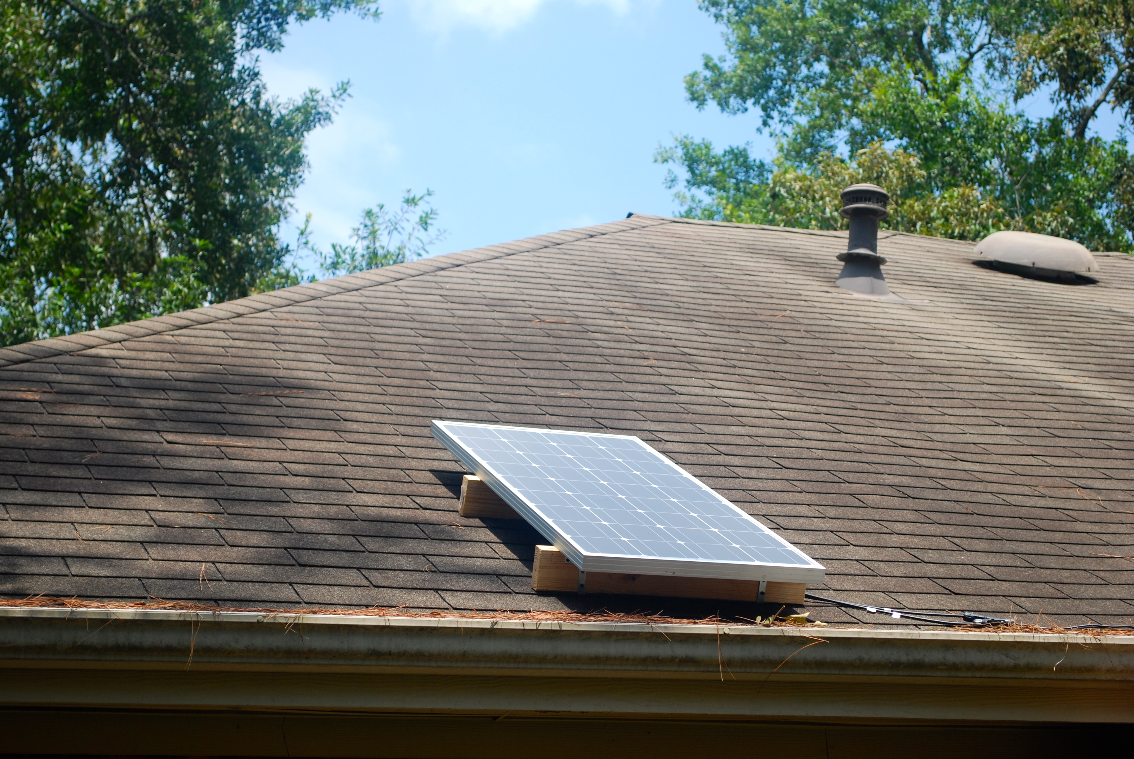Installing Solar Water Heater At Home Ideas By Mr Right Tips When Adding Circuit Breaker For Diy Your Mounting Collectors On Roof