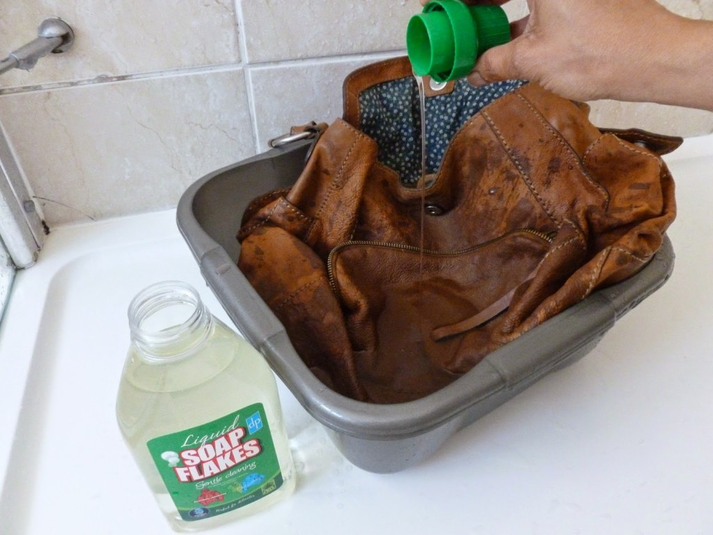 use dish soap to clean jeans stain