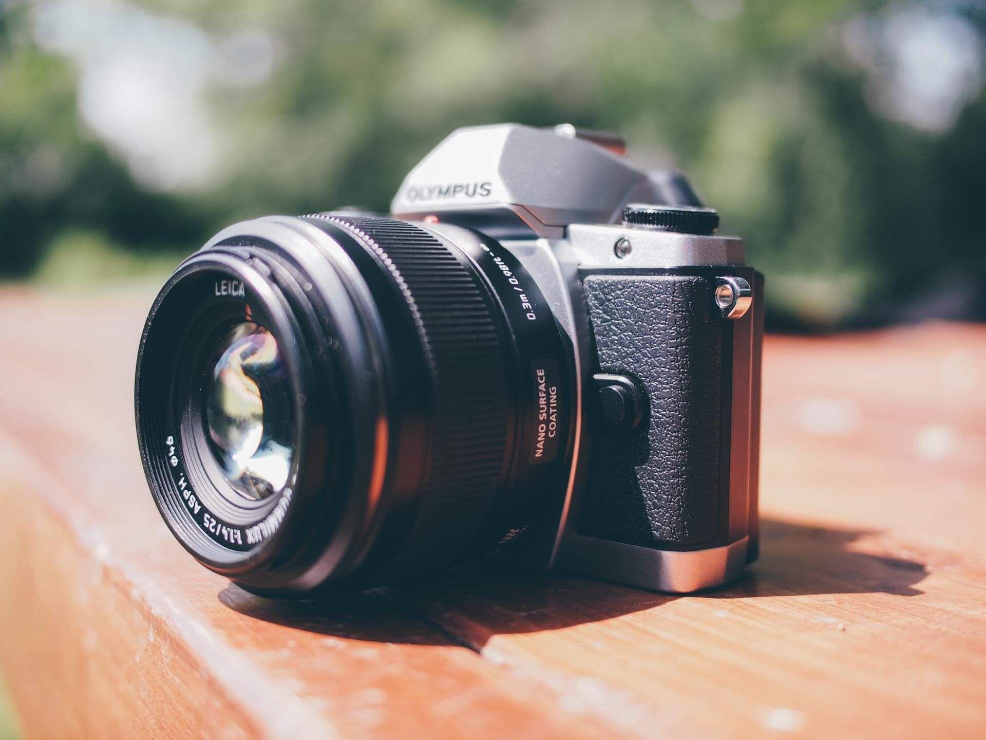 put camera lens in sunlight
