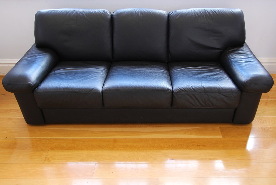 How to clean a leather sofa ideas by mr right for Outdoor furniture zimbabwe