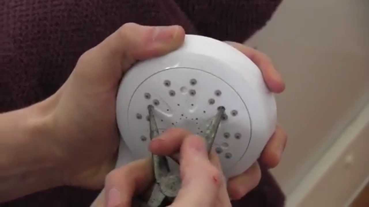 cleaning a showerhead