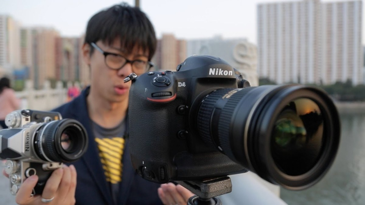 size and weight difference in mirrorless and dslr cameras