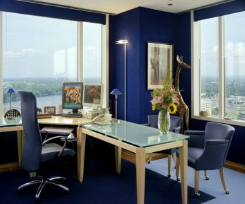 How to choose vibrant colours for your home office