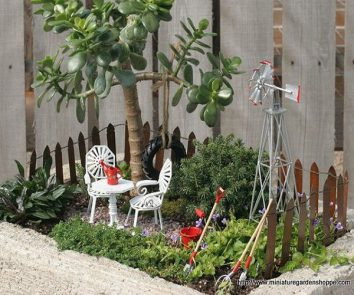 Must have miniature garden accessories