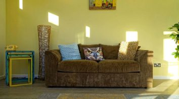 decorative-tropical-colours-for-home01