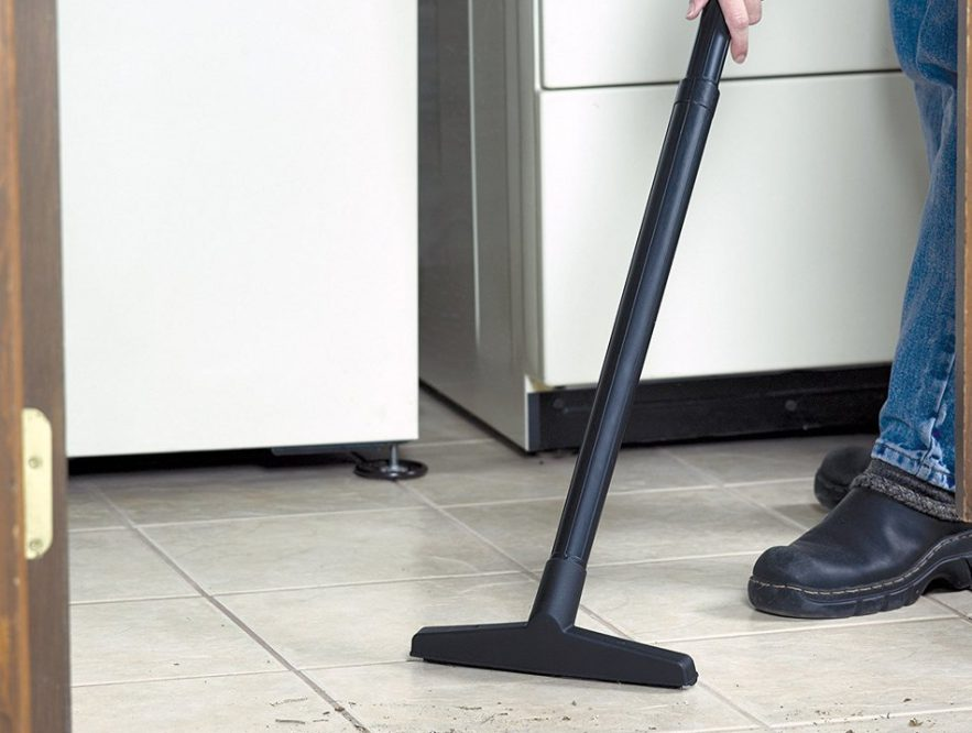 Vacuum cleaner extension wand accessory