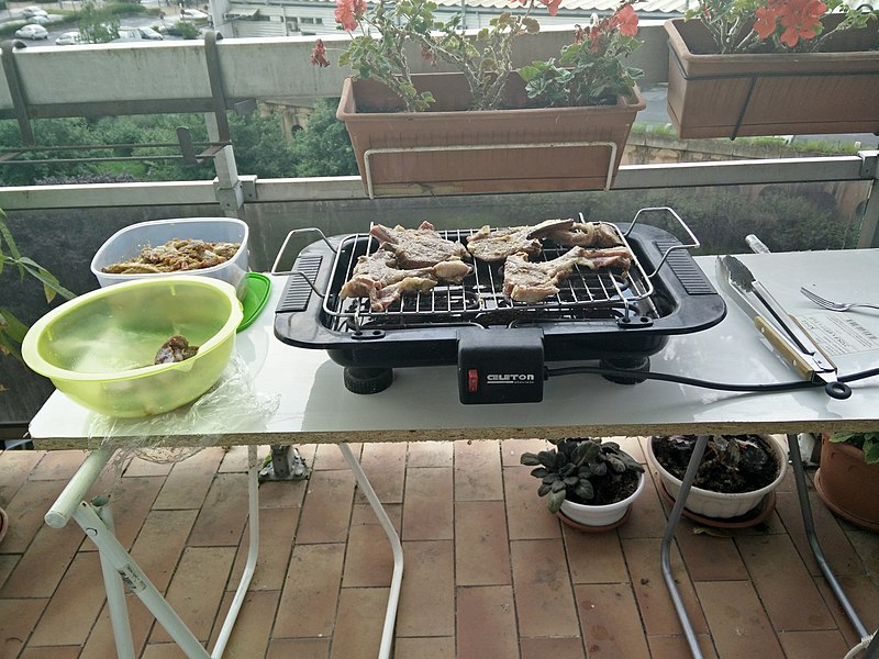 Grilling mutton with electric grill