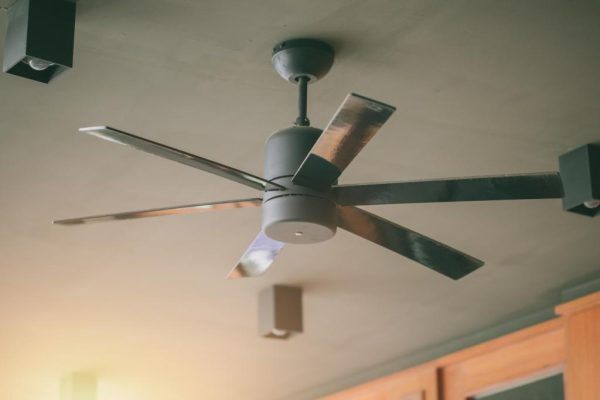 ceiling fan with 6 blades