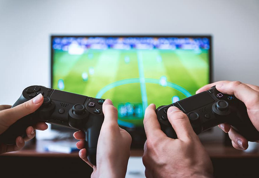 Play games on your Smart TV