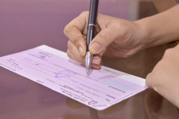 bounced cheques in UAE